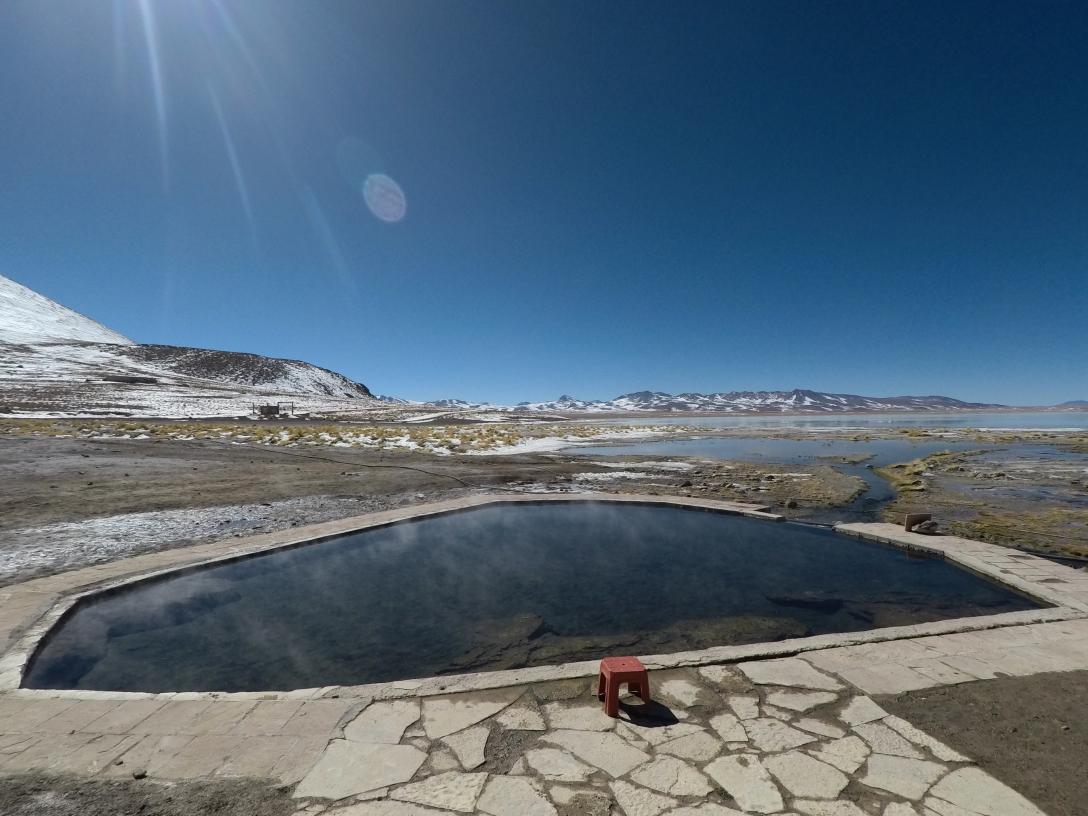 Piscine d'eaux thermales au Sud Lipez