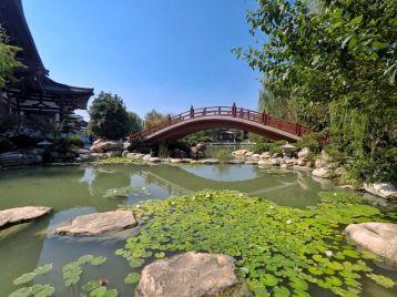 Joli lac au temple de Huaqing