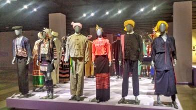 Tenues traditionnelles au musée national