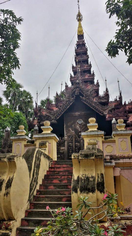 Monastère tout en bois (Shwe in bin)