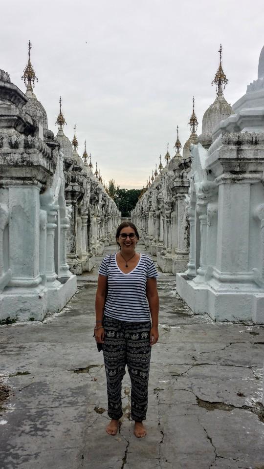 Au milieu des stuppas ! (pagode Kuthodaw)