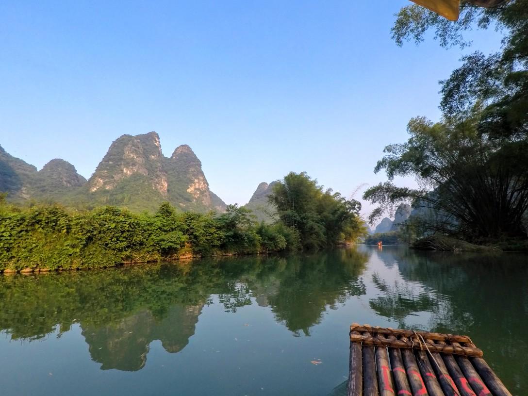 yulong_river_bamboo_boat_yangshuo