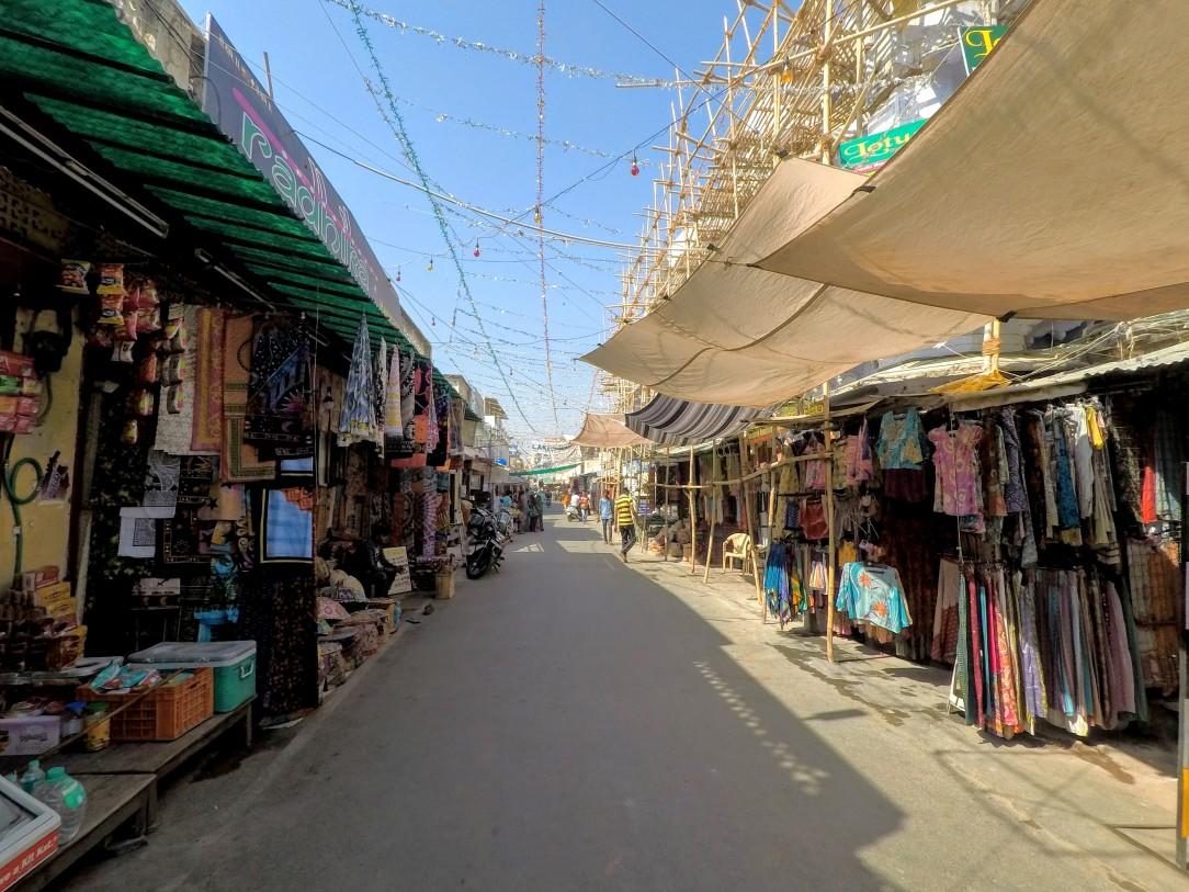 Rue de Pushkar de bon matin