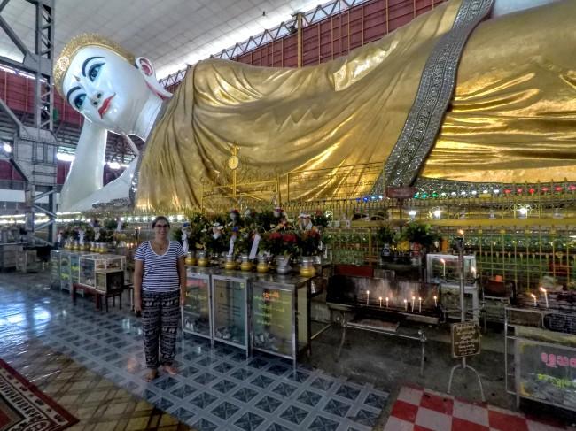 Immense ce Bouddha allongé ! (Chaukhtatgyi)