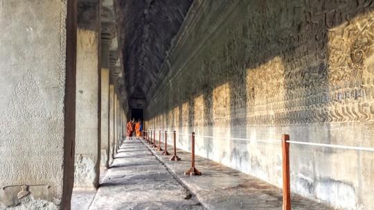 Moines à Angkor Wat