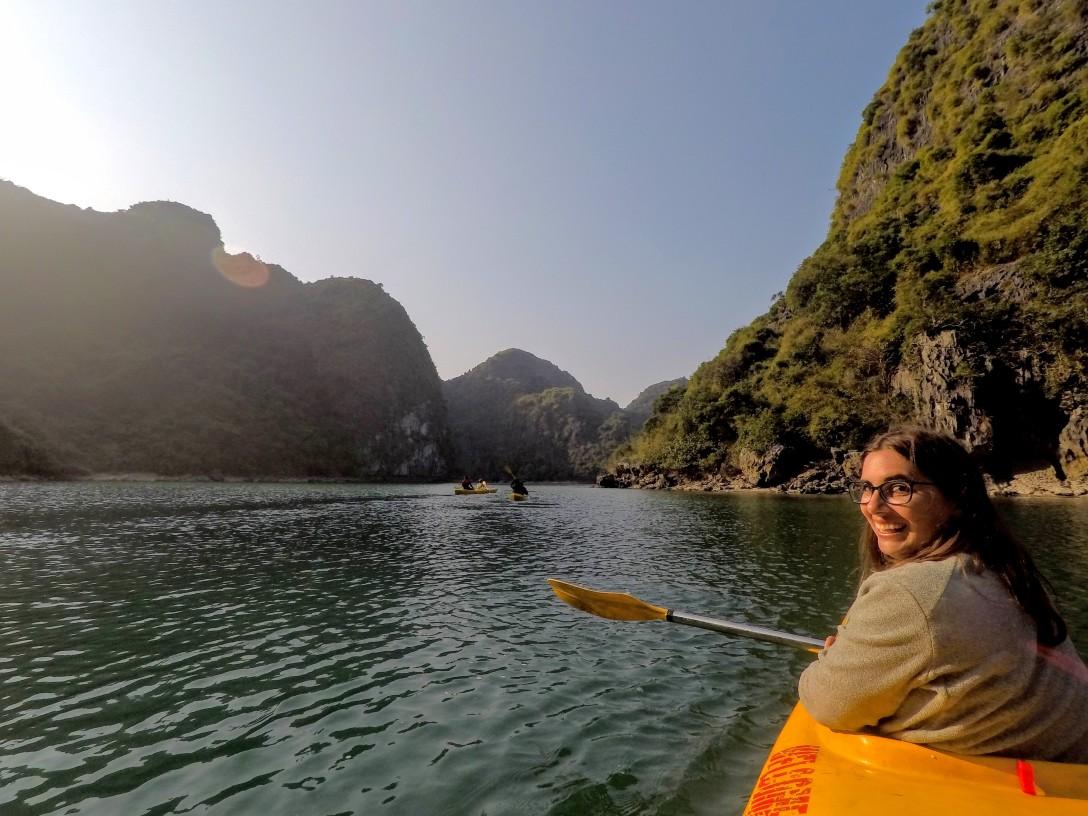 kayak_halong_bay
